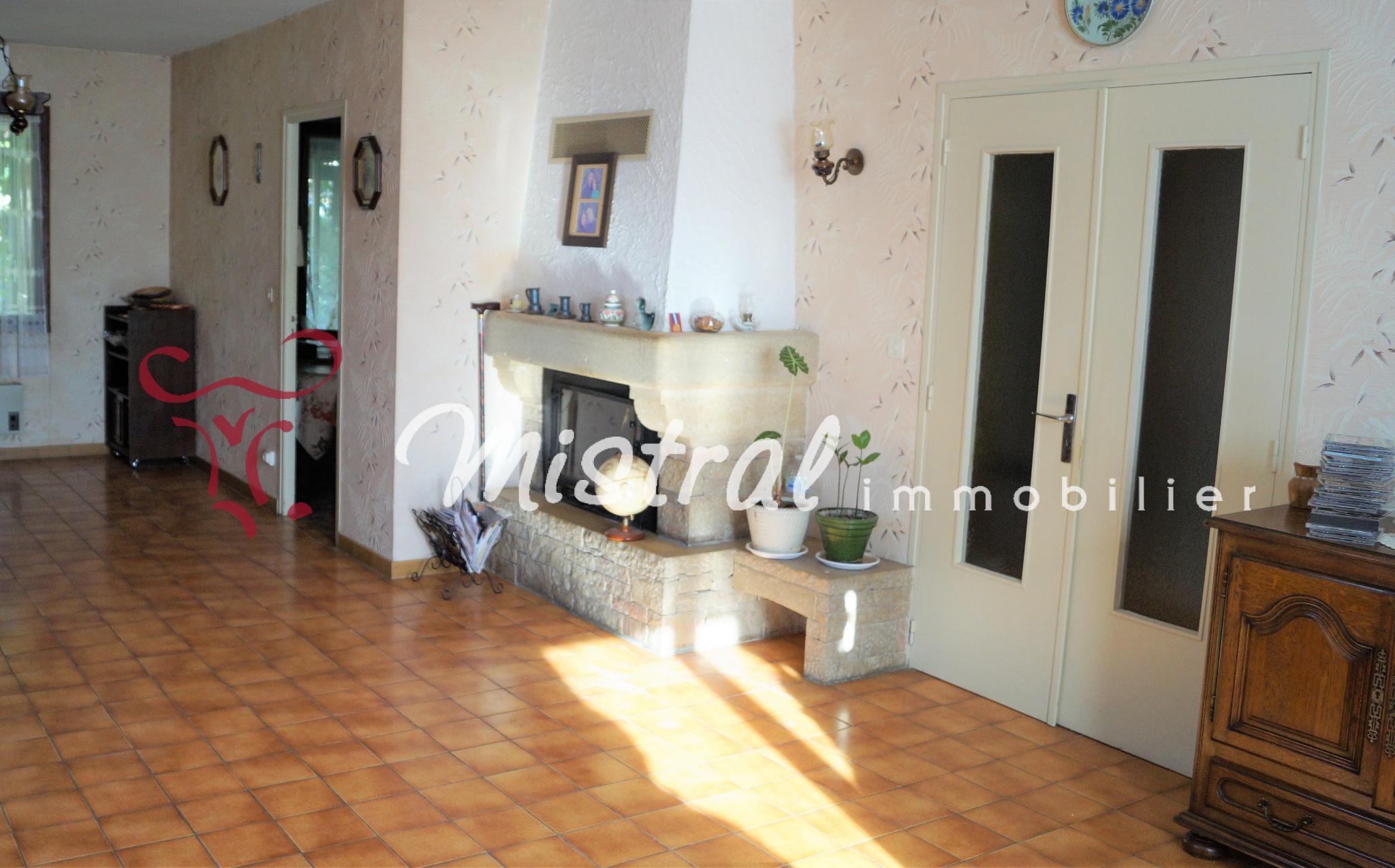 Vente sous compromis mistral vente villa aigues mortes de plain pied 3 chambres avec garage - Compromis de vente garage ...
